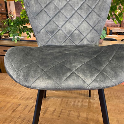 chaise_velours_gris